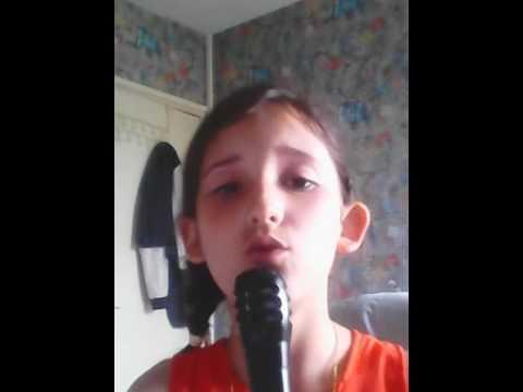 Mélinda chant des chansons de l'école 👏