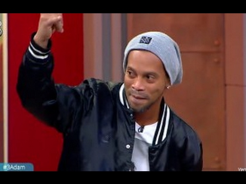 Efsane Futbolcu Ronaldinho 3 Adam'da! | 3 Adam