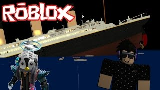 TRYING TO SURVIVE THE TITANIC!! ROBLOX!