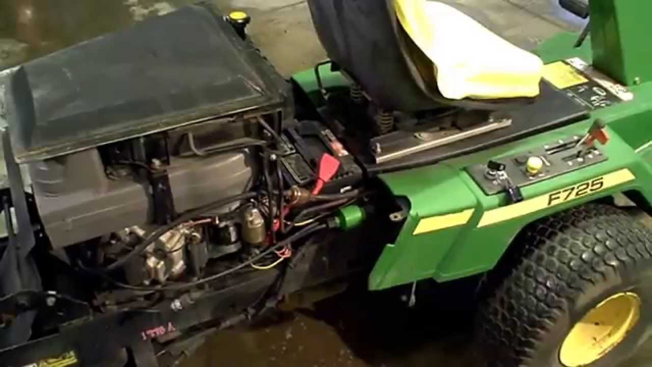 LOT 1998A John Deere F725 Engine Compression Test - YouTube