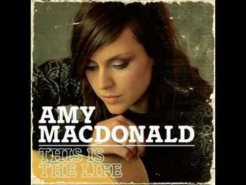 Amy Macdonald - This is the life -  Letra en español y en inglés en la pantalla