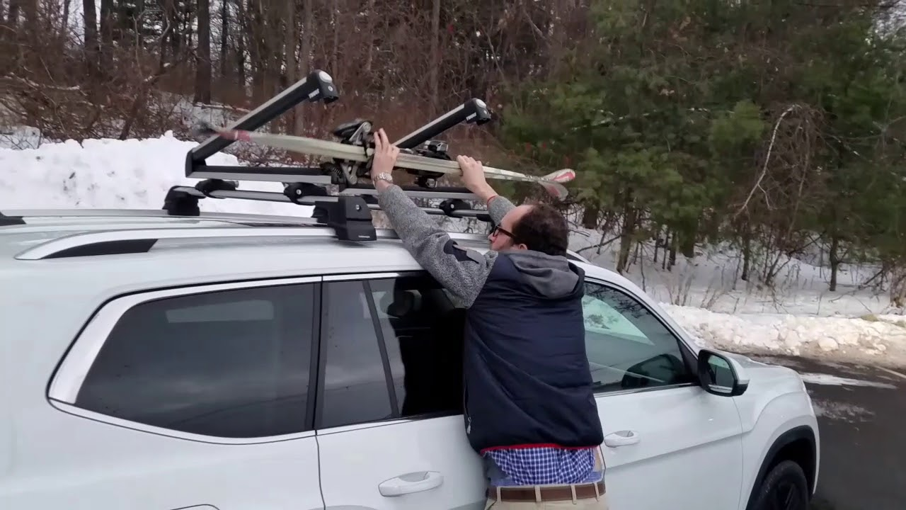 all new 2018 vw atlas with vw crossbars and thule ski rack