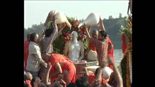 Acharya Swamishree na Divya Darshan at Narmada River