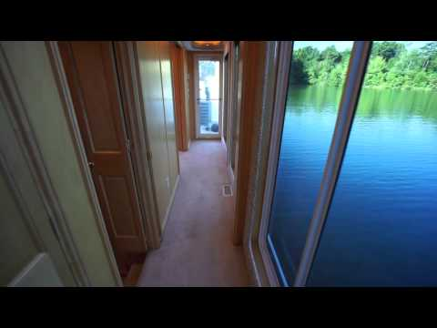 100' Fantasy Custom Houseboat