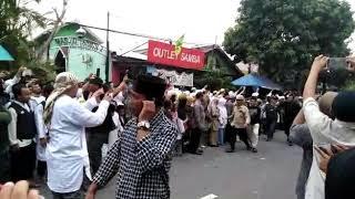 Proses pemakaman  KH.SUNARDI SAHURI