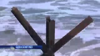 На пляжах Одесской области появились противотанковы...(На пляжах Одесской области появились противотанковые ежи - - Интер - 16.04.2014 On the beaches of Odessa region appeared antitank hedgehogs..., 2014-04-15T22:20:46.000Z)