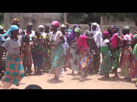 African women dancing (Ghana - West Africa)