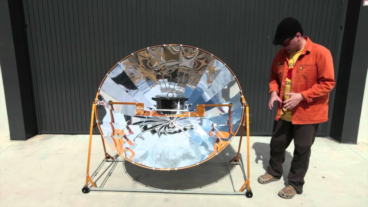 Cocina solar parab lica alsol 1 4 youtube for Planos para cocina solar parabolica