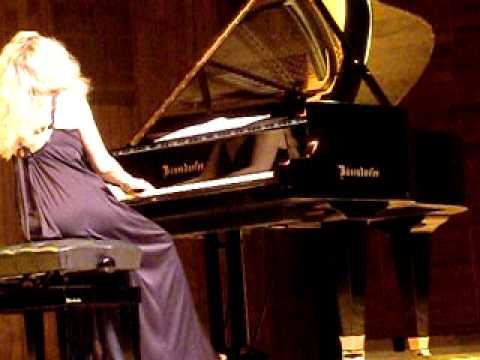 Laure Favre-Kahn: concert op. 2 by schumann (papillons) PART 1