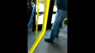 Meando en bus