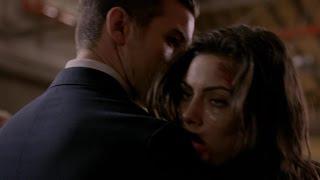The Originals 3x10 Hayley falls into Elijahs arms