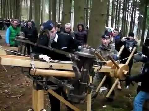 Römer-Schlacht am Harzhorn nachgestellt - Geschützdemonstration mit Nachbauten