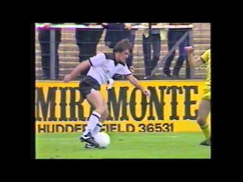 Fulham v Leeds United 25th September 1982