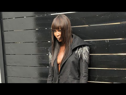 Naomi Campbell Doesn't Listen To Photographer