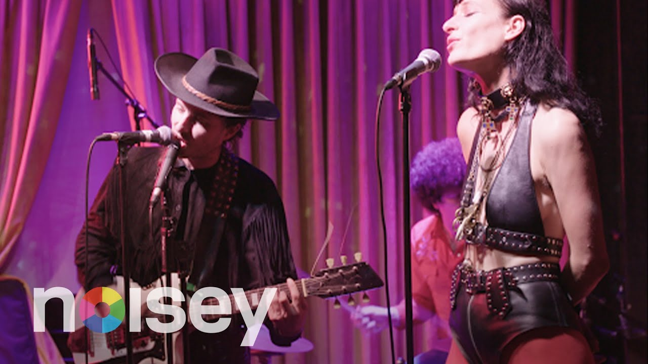 NOISEY Specials – The Black Lips Live at Golddiggers