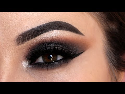 BLACK SMOKEY EYE MAKEUP TUTORIAL | Tips & Tricks for Blending