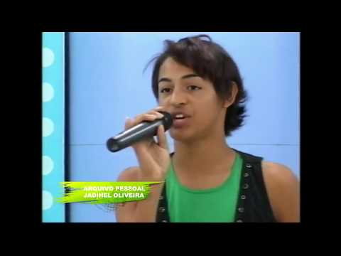 Pabllo Vittar antes da fama cantando Michael Jackson