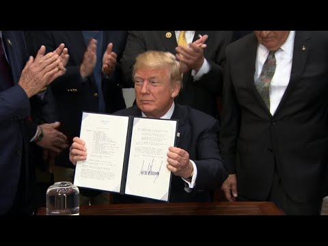 Trump signs space policy directive to send Americans to Moon, Mars