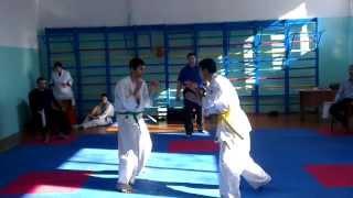 Жесткий и техничный бой.Карате Киокушинкай-Кан. Камиль(желт) -Гёкхан(зелен)(, 2014-02-23T16:39:17.000Z)