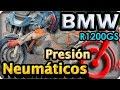 Presión de neumáticos en una moto BMW R1200GS. La vuelta al mundo en moto www.lacirucunvalacion.com