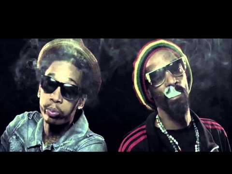 Snoop Dogg ft. Wiz Khalifa - French Inhale