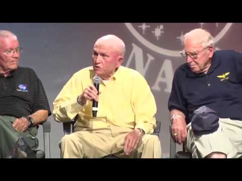 Frank Borman and Jim Lovell discuss the Christmas 1968 Genesis Reading