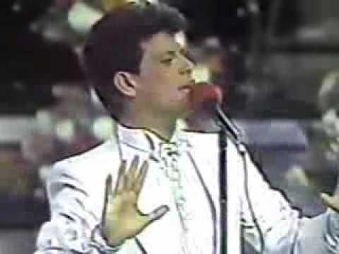 José Alberto Fuentes - LA ÚNICA MUJER SOBRE LA TIERRA (OTI 1985).flv