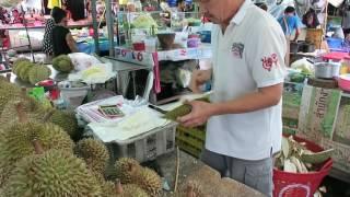 Thai Durian cut by an Expert - Stre...