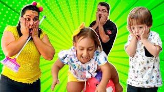 The Boo Boo Song Story | Maria Clara fez um dodói (boo boo) - MC Divertida