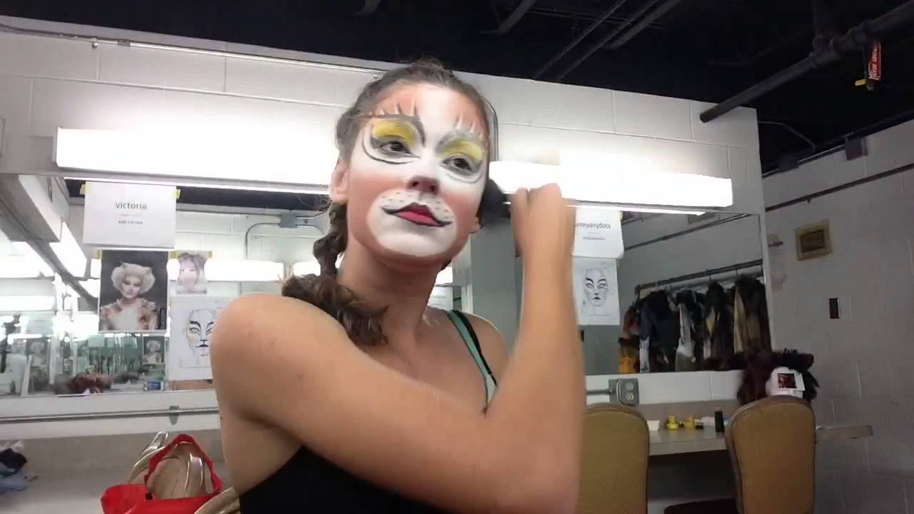 CATS makeup in 39 seconds (Demeter)