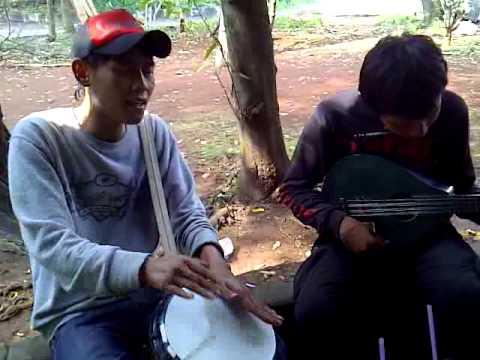 Pengamen Sunda Hebat: Kosipa-Darso by Bo'eng+Rian
