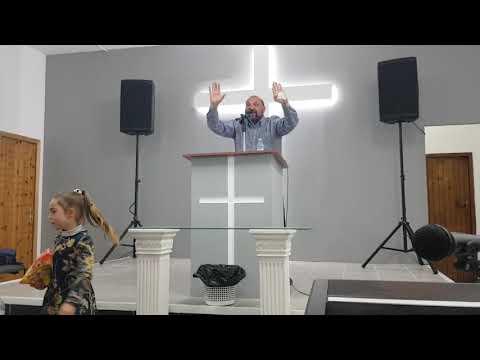 Manuel predicando en ribeira