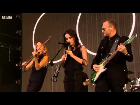 The Corrs 2015 Toss the feathers