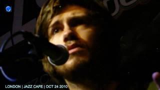 NEIL FINN 24/10/2010 ANYTIME Jazz Cafe London