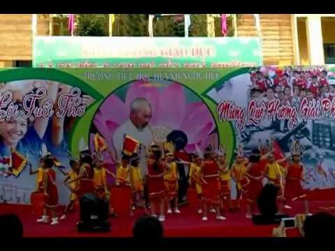 Múa Dòng Máu Lạc Hồng - Trường tiểu học Huỳnh Ngọc Huệ