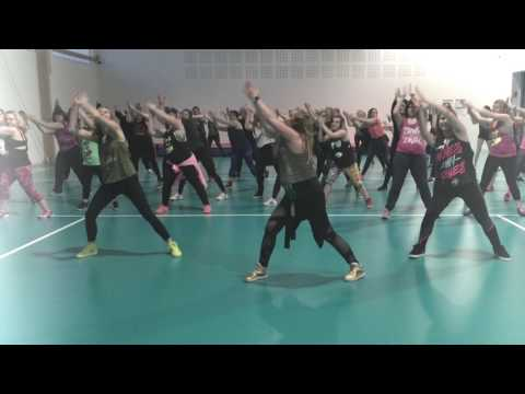 Warm Up Zumba® mix