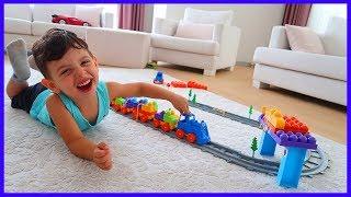 Oyuncak Tren Seti Kurduk Oynadık l Oyuncak Açma Videoları l Prens Yankı