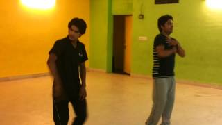 dance practice by a doctor --sajde kiye hai lakho --must watch dhoom 5 like dance..