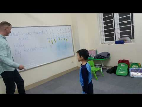 Ask and Answer - Xuân Phúc with Mr Victor - Su9 - Ms Jenny - Tomokid