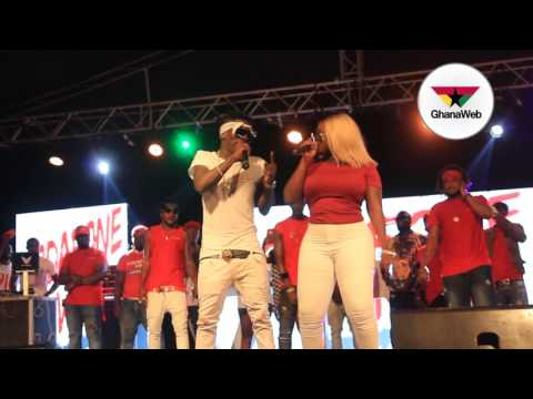 Shata Wale and Sister Afia's 'crazy' performance at Vodafone VIM concert