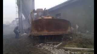 Traktor T-130