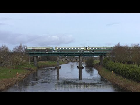 North & southbound Mark 4 sets @ Monasterevin, Co. Kildare (16-2-2018)