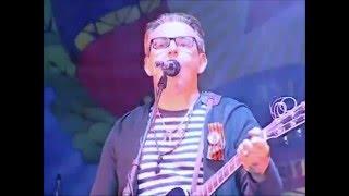 Скачать Группа 7Б выступает на праздничном концерте в честь 2 х летия ЛНР