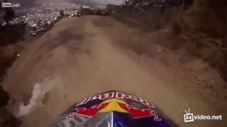 Самый улётный экстремальный спуск на велосипеде![HD]