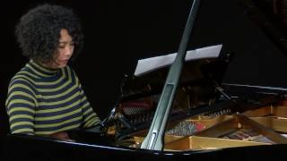 Chenyin Li performs 'Ceasefire' by Evelyn Dobson