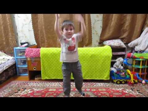 дети очень любят танцевать
