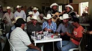 RAUL PEREZ A DUETO CON LUPE TIJERINA , CORRIDO DE EZEQUIEL CORONADO thumbnail