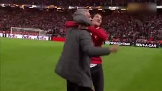 José Mourinho crazy celebration with his son (Manchester United 2 Ajax 0)