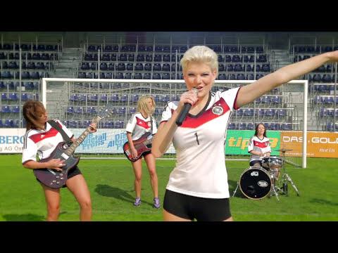 melanie-müller---deutschland-schießt-ein-tor!-(official-music-video)