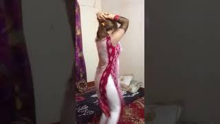 Я да видим как се танцува в Индия! Изглежда ли ви познато?